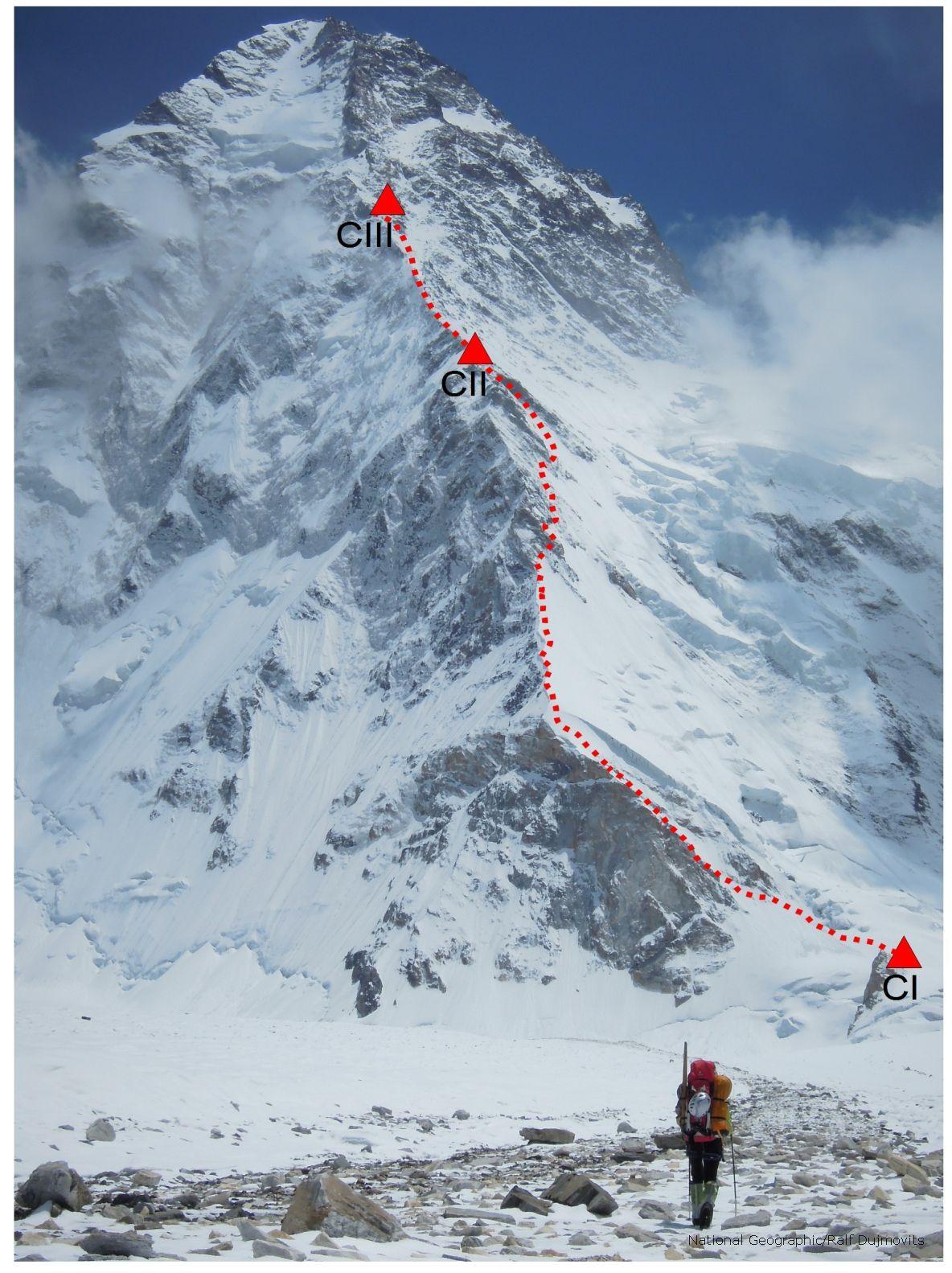 tentative en face nord du K2 (arête nord)