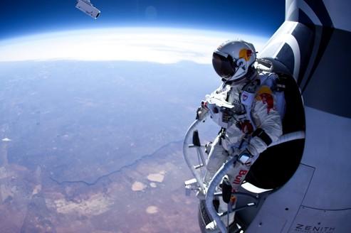 Chute libre à 22 km d'altitude