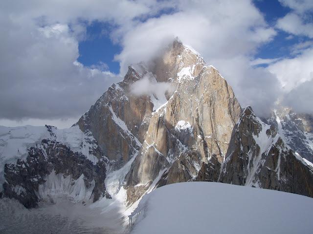 Expédition française au Latok (7150m)