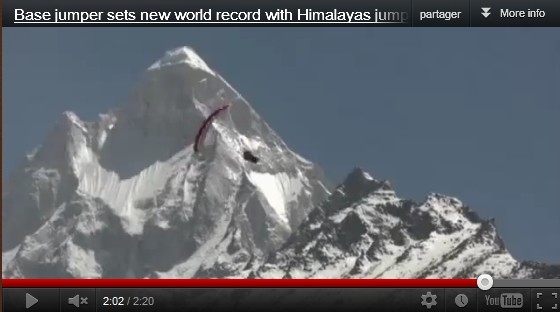 Nouveau record de base jump en Himalaya