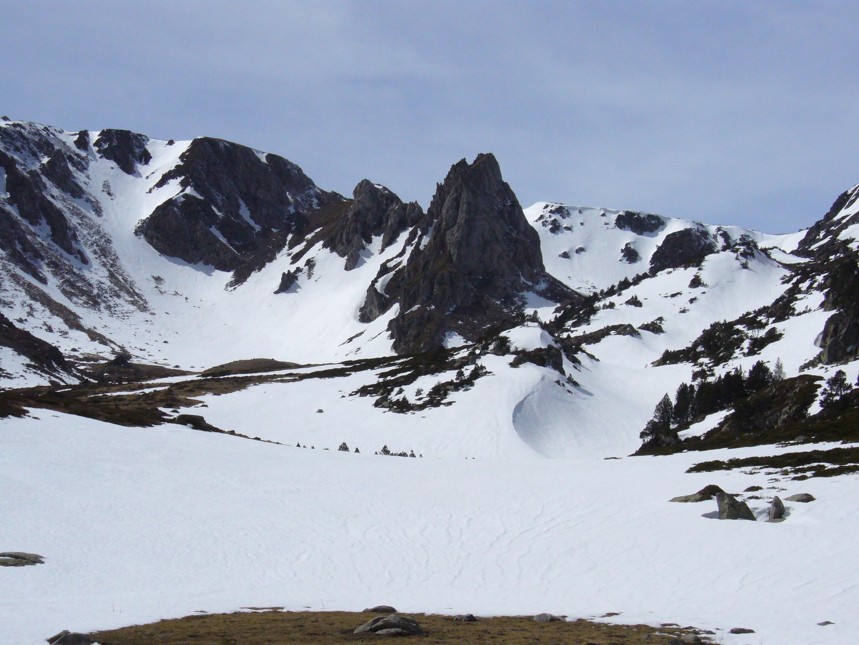 le massif du madres (2 469 m) : une montagne des Pyrénées interdite aux randonneurs et alpinistes