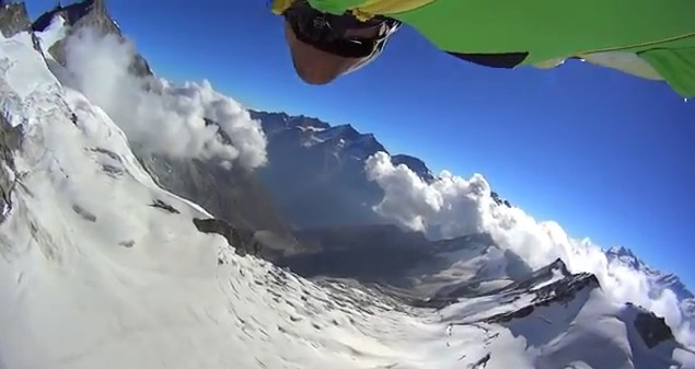 Vol en wingsuit Zinalrothorn 2013