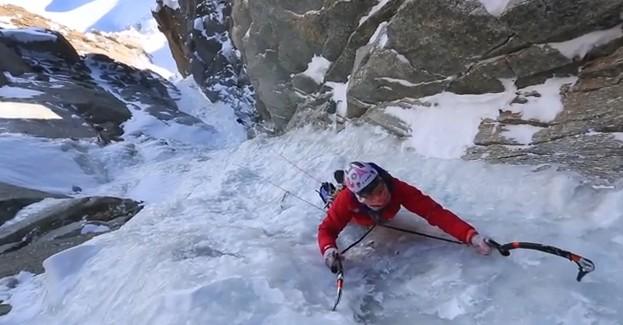 Super couloir du Mont Blanc du Tacul en vidéo avec Stéphanie Maureau et Maxime Tirvaudey