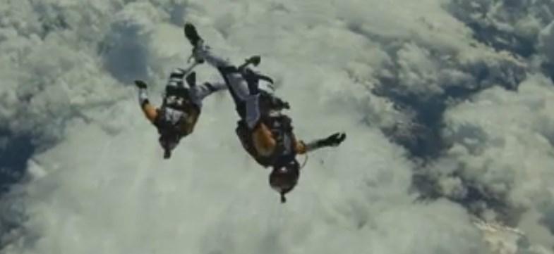 Saut à 10 000 mètres au dessus du Mont Blanc