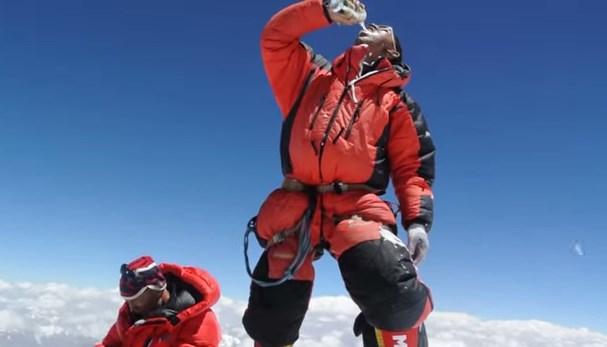 Une bière au sommet du K2