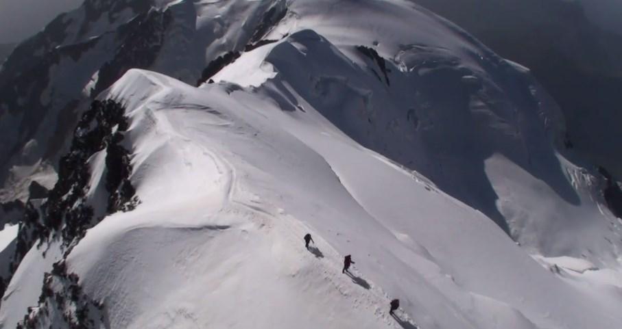 Vidéo scénique de l'ascension du Mont Blanc en parapente par Stéphane Boulenger